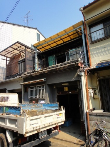 改装前の古民家。