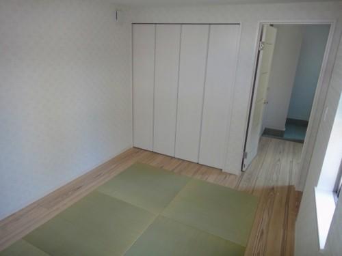 普通の和室ではなく、洋室のいいところと合わせました。