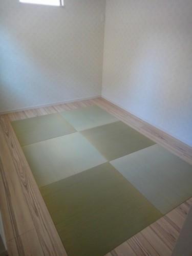 和室には琉球畳を使用。