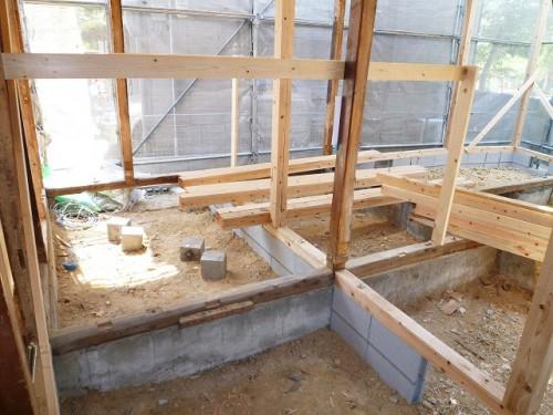 新築時より耐震性能を上げるために補強します。